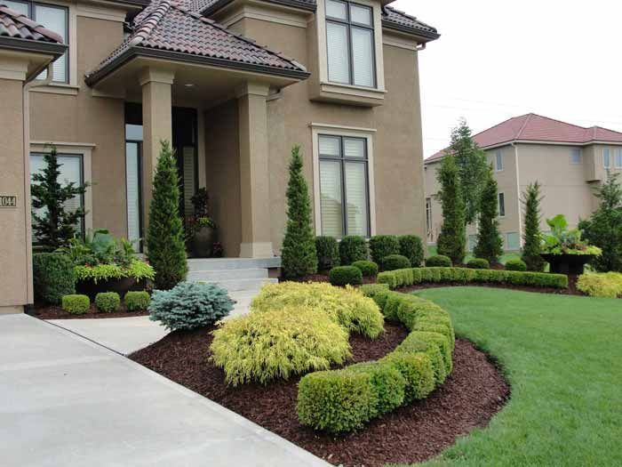 Clean front landscape rosehill gardens kansas city for Residential landscaping ideas