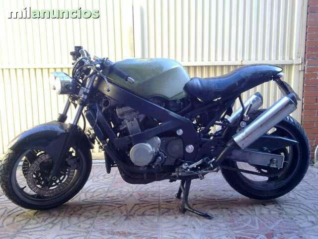 Kawasaki ZZR600 Cafe Racer