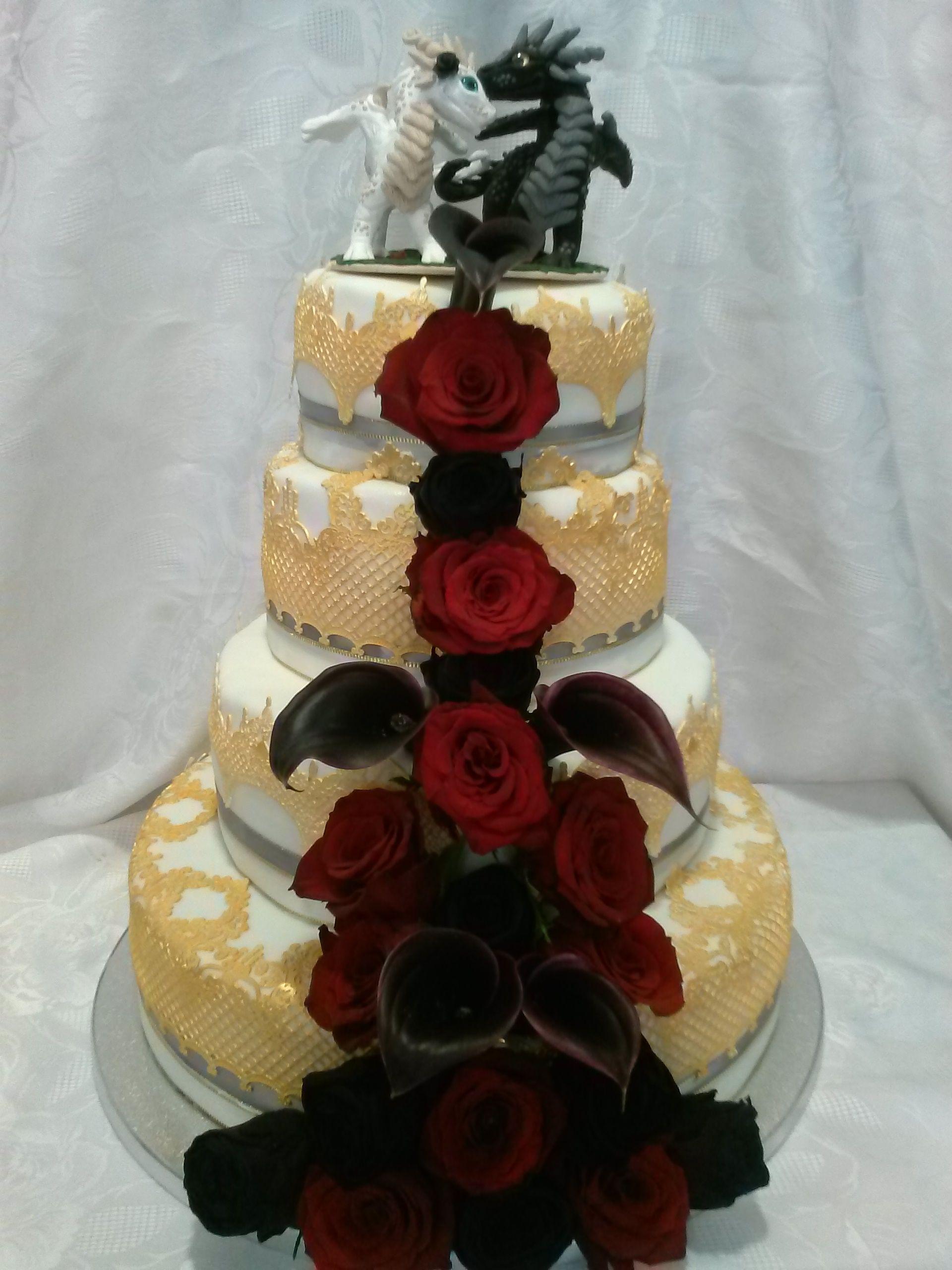 Mittelalter Hochzeit Torte Mit Spitze Und Echten Blumen