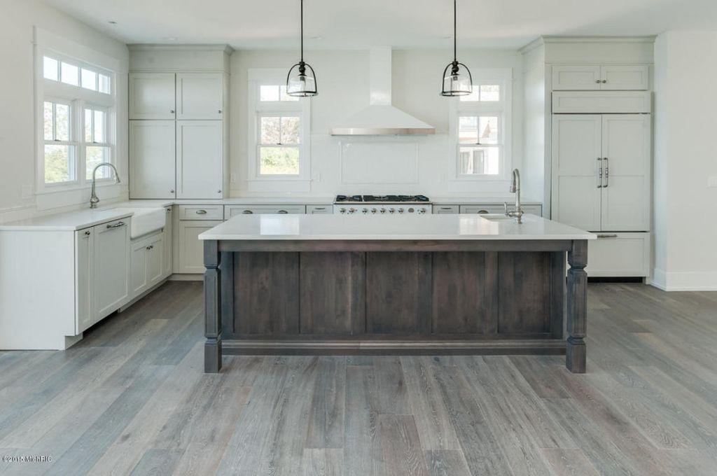 Best Contemporary Kitchen With Kitchen Island Hardwood Floors 400 x 300