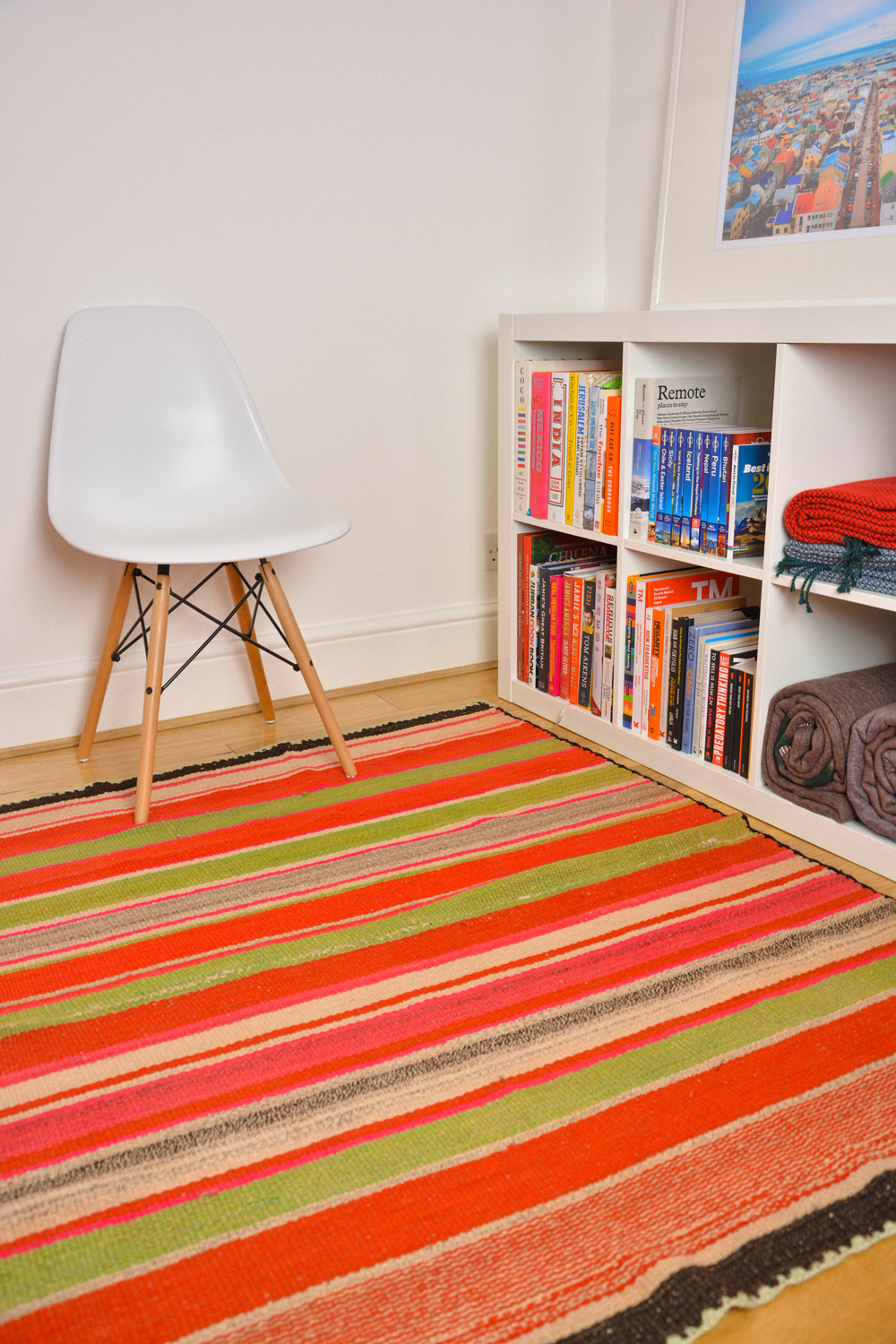 Colourful rug to brighten your mum´s house. a perfect Mother´s Day gift.  www.raices.co.uk