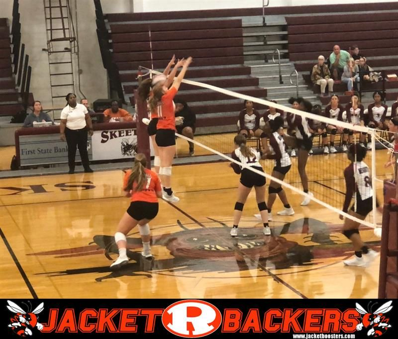 The Lady Jackets Varsity Volleyball Team Easily Defeats Mesquite High School In A District Matchup Rockwall Easily Beat Mes With Images Volleyball Team Undefeated Varsity