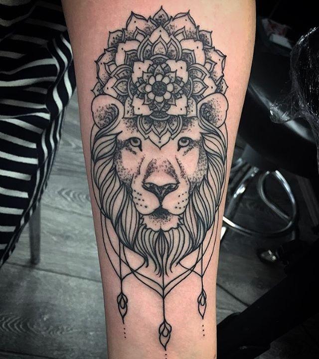 lion tats tatto ideas pinterest lions tatting and tattoo. Black Bedroom Furniture Sets. Home Design Ideas