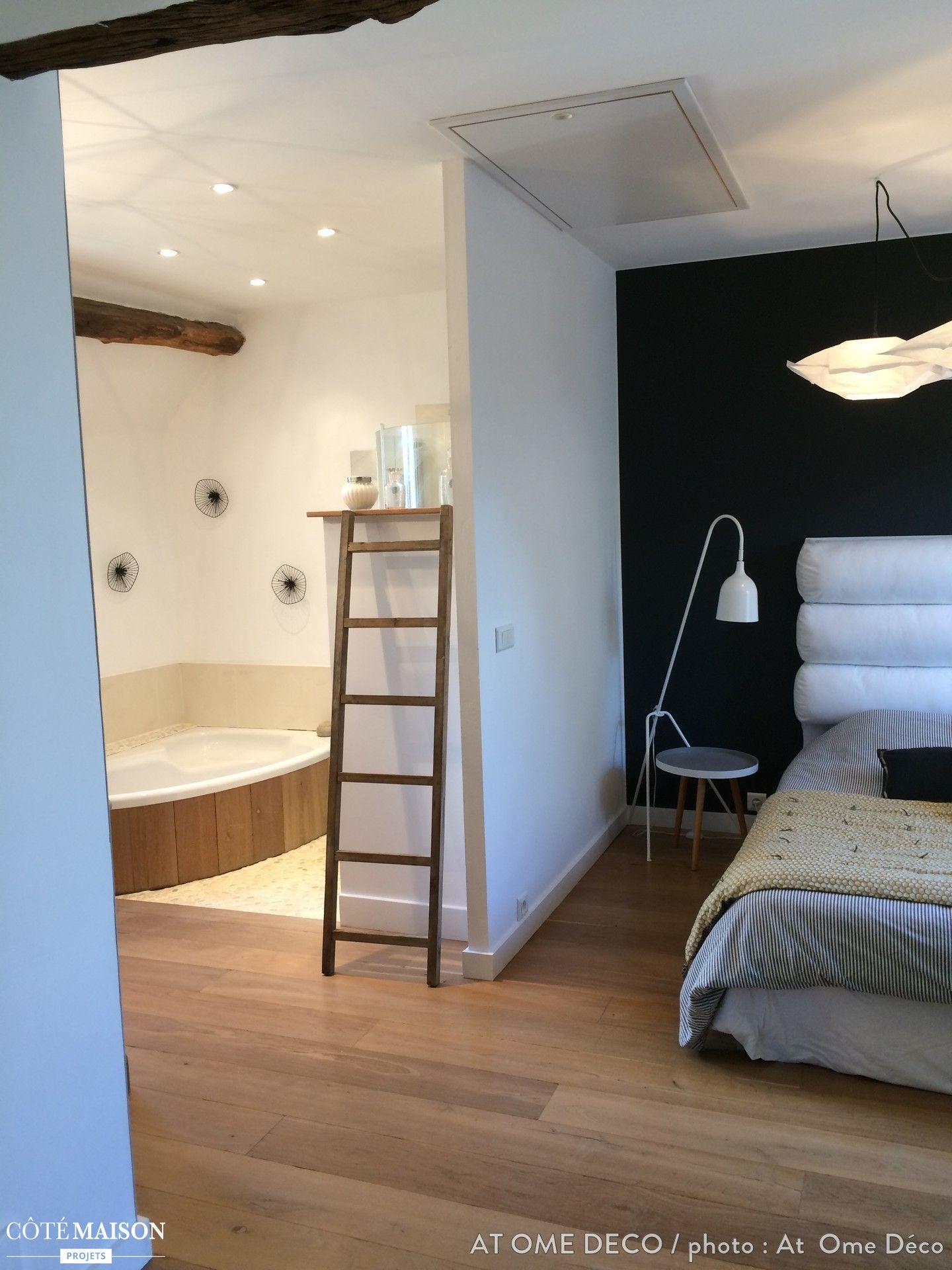 chambre modernes avec suite parentale comprenant une salle de bains