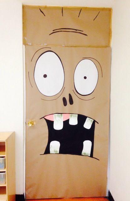 Aqu algunas ideas de puertas con motivos de halloween for Puertas decoradas halloween
