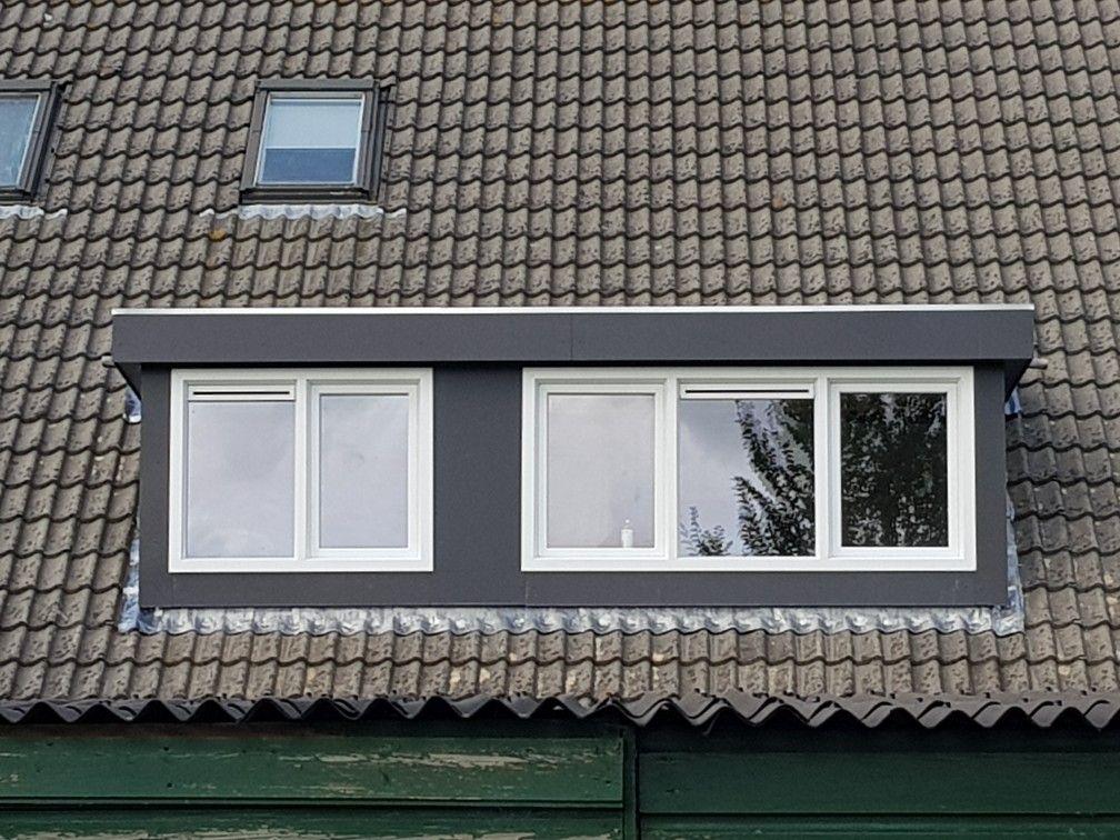 Dakkapel Almere. Kunststof dakkapel Trespa antraciet