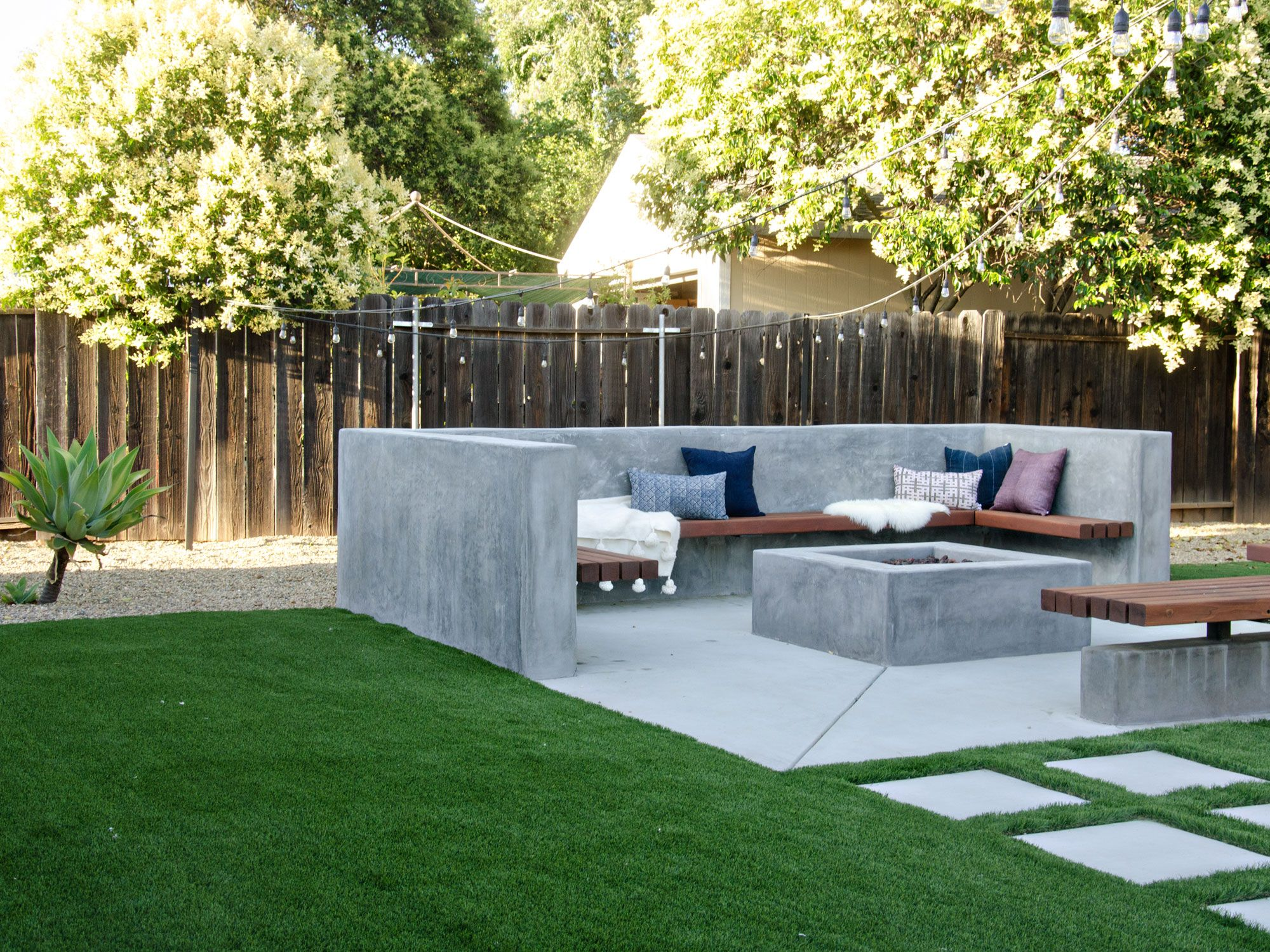 Bon Modern California Backyard Patio Reveal | BrittanyMakes
