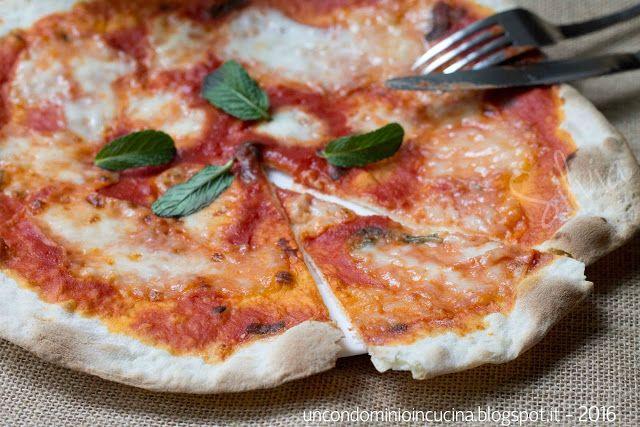 pizza un condominio in cucina