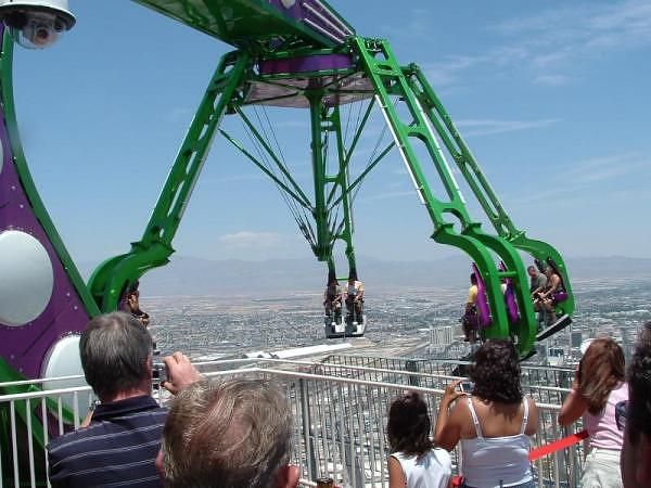 Six Flags Closes More Rides After Accident Thrill Ride December Vacations Travel Around The World