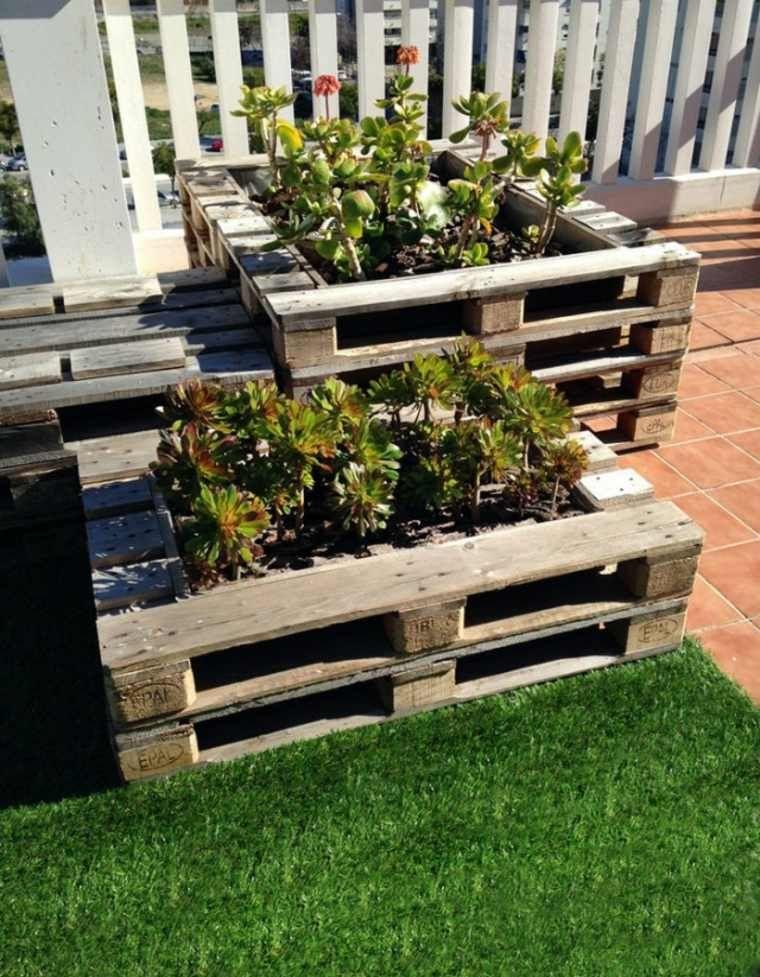 Jardini res en palette bois et d coration ext rieure id e cours de devant jardini re palette - Decoration jardiniere exterieure ...