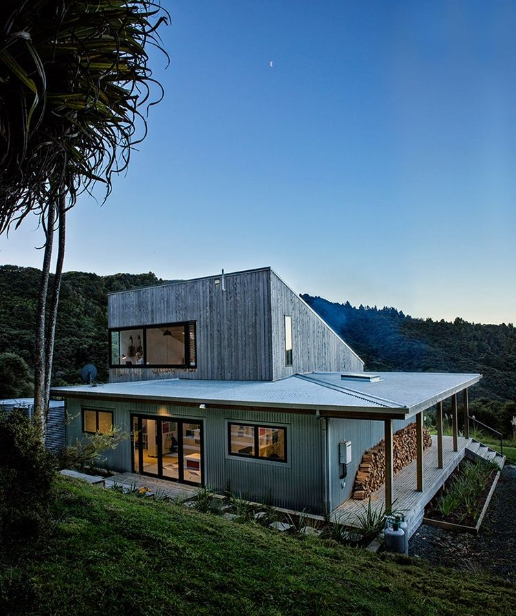 Architect Designs Modern Rustic Home That Merges with New Zealand - new blueprint architects pty ltd
