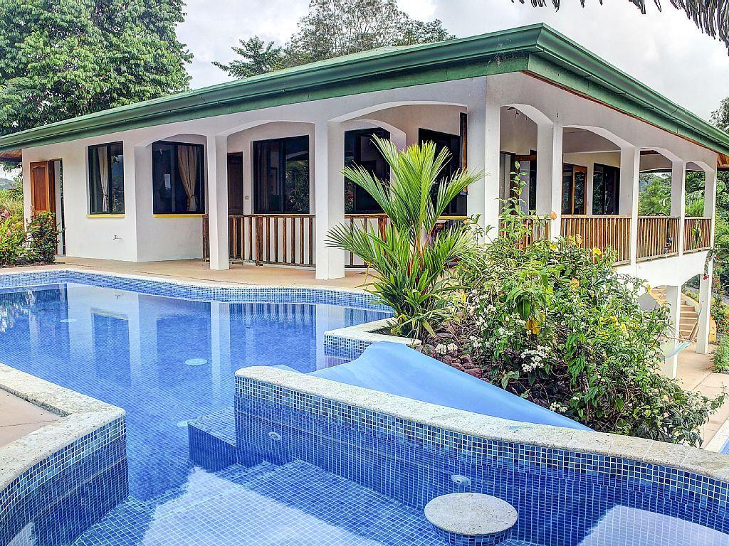 piscinas de lujo con toboganes en un casa buscar con google