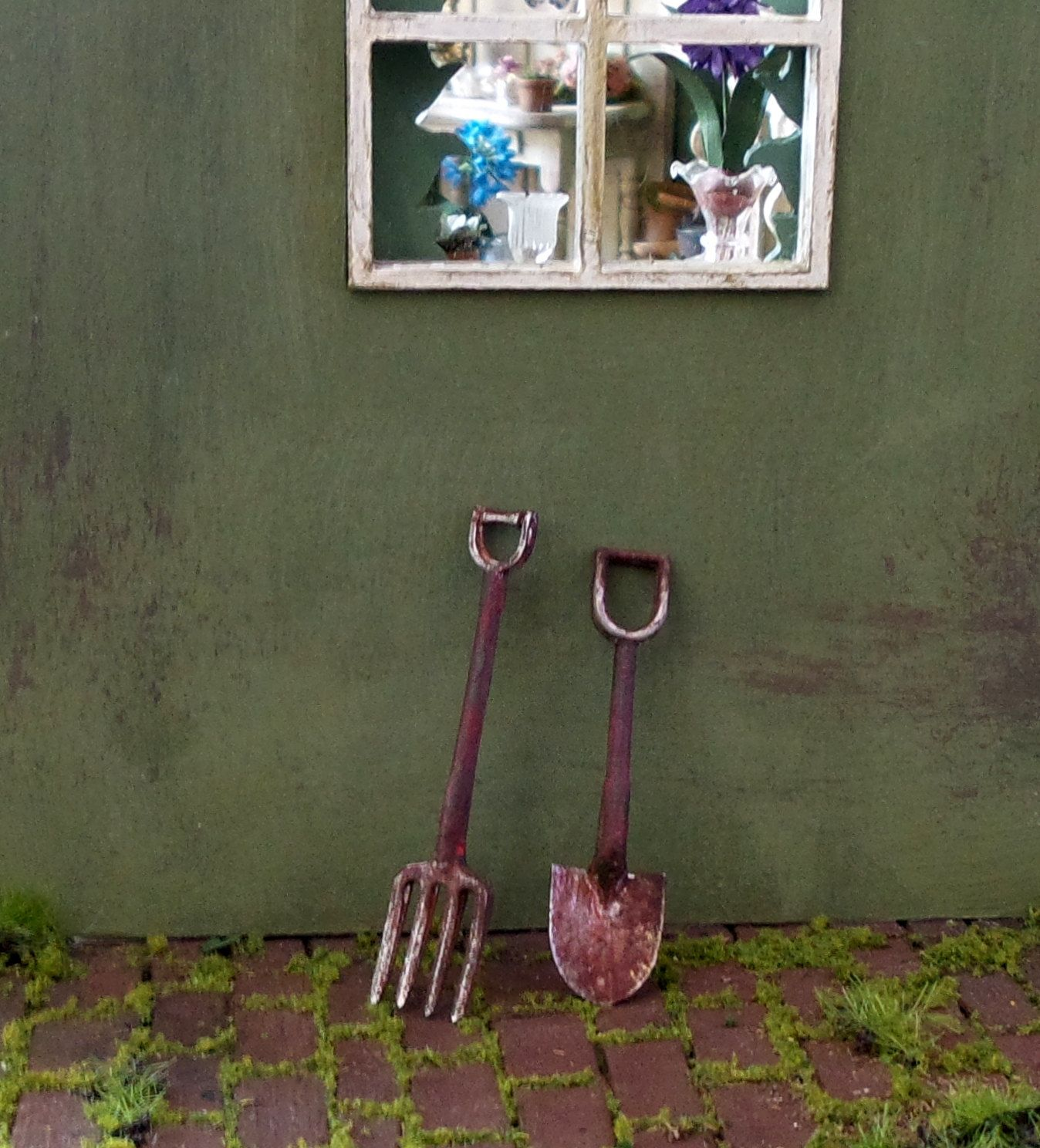 Miniature Tool Scale 1: 12 Dolls House Garden Shovel Spade
