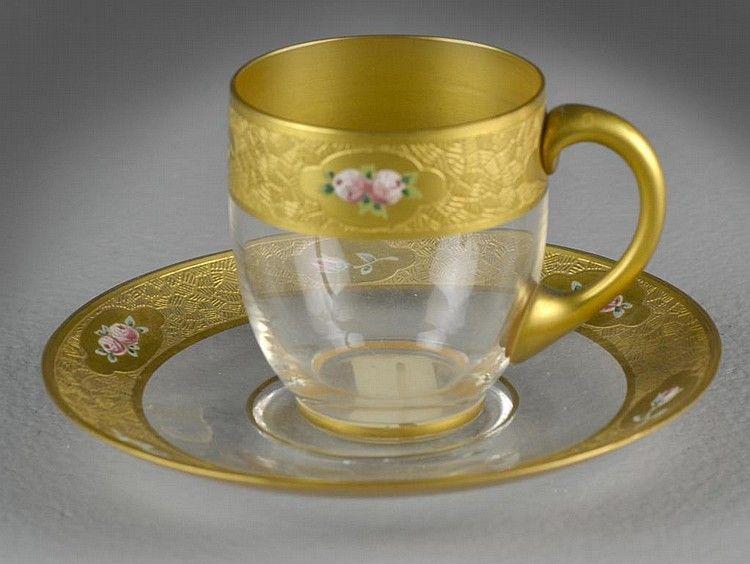 Šálek na čaj * zlacené sklo s malovanou růžičkou.