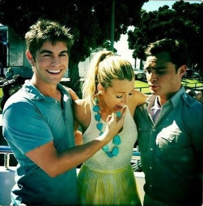 Chace, Blake and Ed - Nate, Serena and Chuck. Gossip Girl