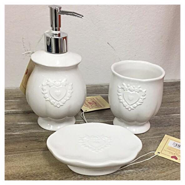 Set da bagno angelica home country 27 complementi d for Complementi d arredo shabby