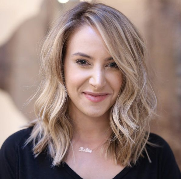 Medium Length Wavy Hairstyles 50 Super Glam Mediumlength Wavy Hairstyles  Natural Waves Natural