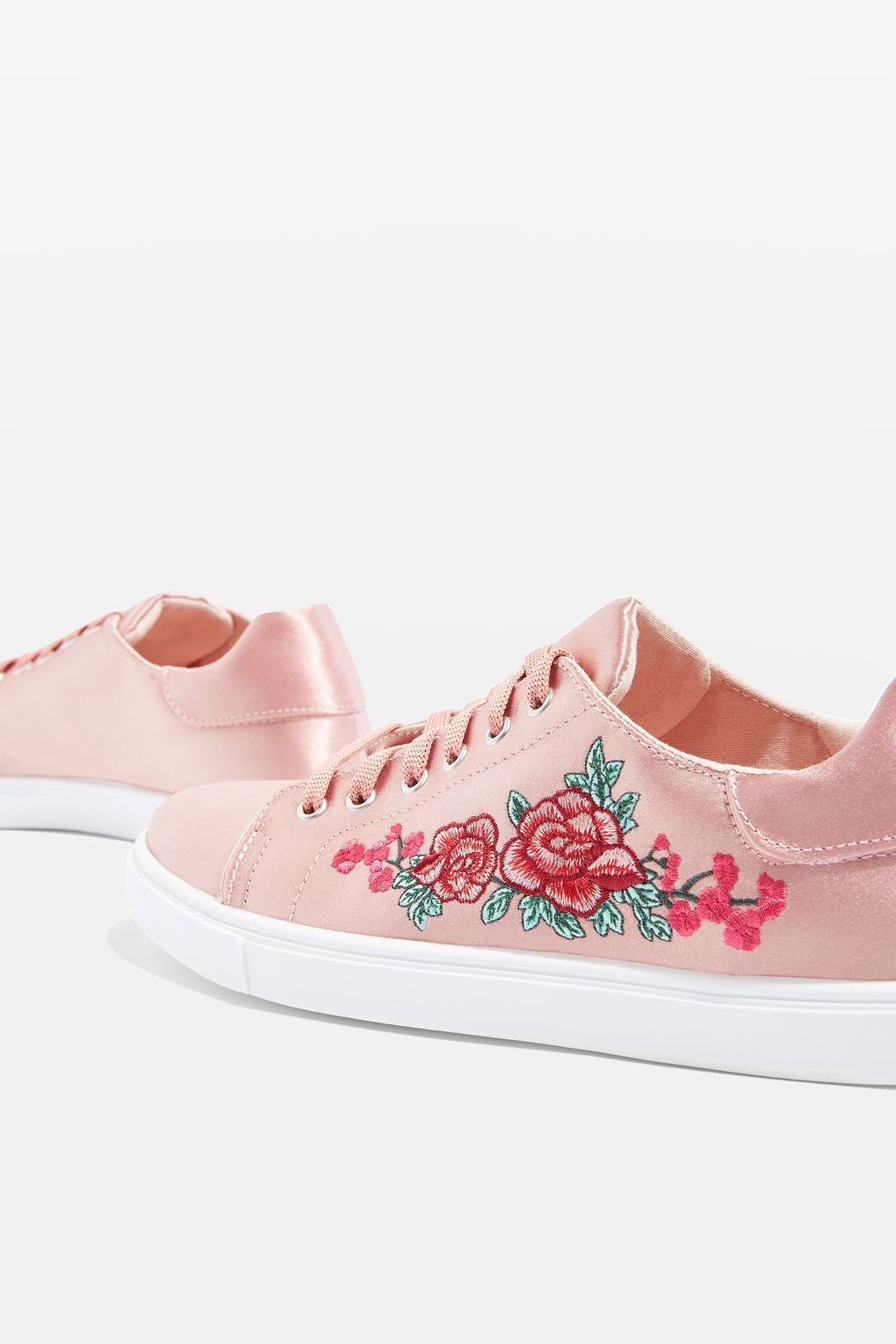 8beffe7c5 CAMILLA Embroidery Trainers en 2019 | Apparel | Shoes, Embroidery ...