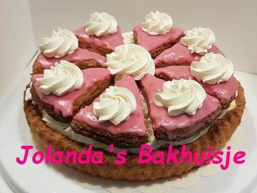 tompouce taart Tompouce taart | Gebak, koek en toetjes | Pinterest tompouce taart