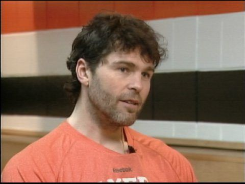 Jagr giving an interview in Philly