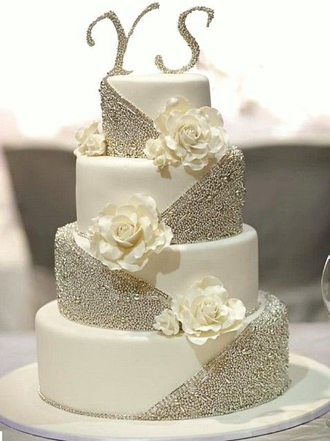 Saving The Top Tier Of Wedding Cake To Freeze And Eat On First Anniversary Tradition Details Suggestions For Freezing Thawing A