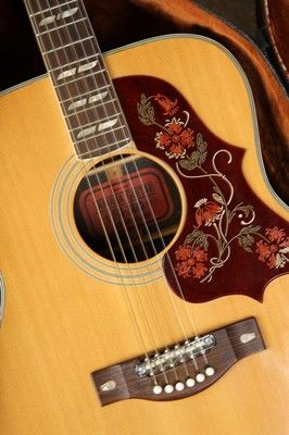 Vintage Fg 300 Red Label Yamaha Guitar Early 1970s Beautiful Vintage Guitar Yamaha Guitar Yamaha Guitars Acoustic Acoustic Guitar