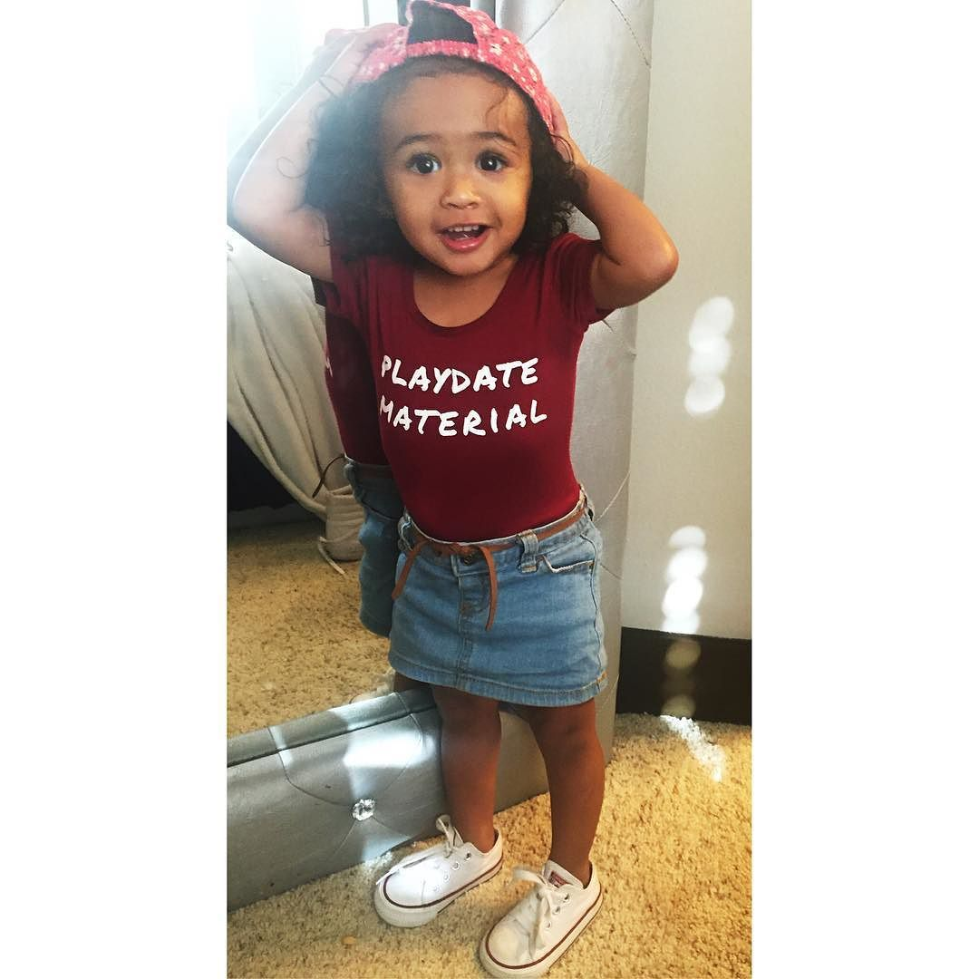 Groovy Chris Brown Baby Royalty Is Playdate Material In Cute New Photo Hairstyles For Women Draintrainus