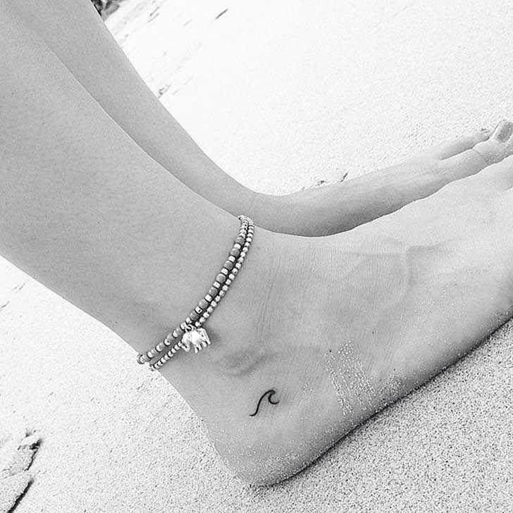 22 sutiles y perfectos tatuajes minimalistas que querrás hacerte en este preciso instante