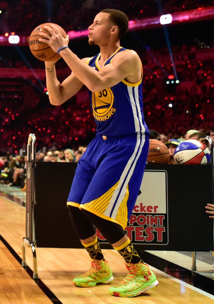 c8b4bf324985 Stephen Curry wearing Under Armour Curry One Candy Reign (1 ...