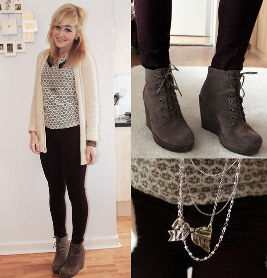 Skinny jeans + wedges | Ankle Boots Outfit Inspirations ...