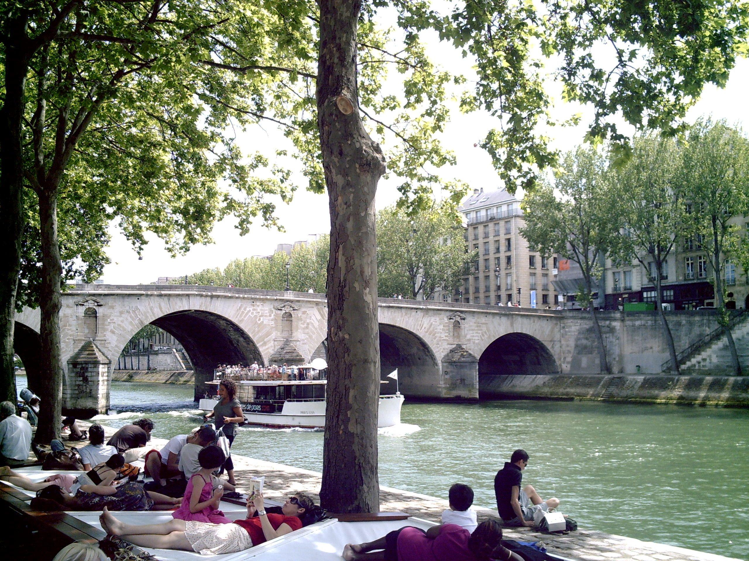 Summer bridge in the city of Light. & Summer bridge in the city of Light. | Bridges Doors \u0026 Windows ... Pezcame.Com