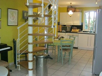 Holiday Villa in Cagnes-sur-Mer - villa with 3 Bedrooms , Sleeps 6 | 1048683    http://www.holiday-rentals.co.uk/p1048683