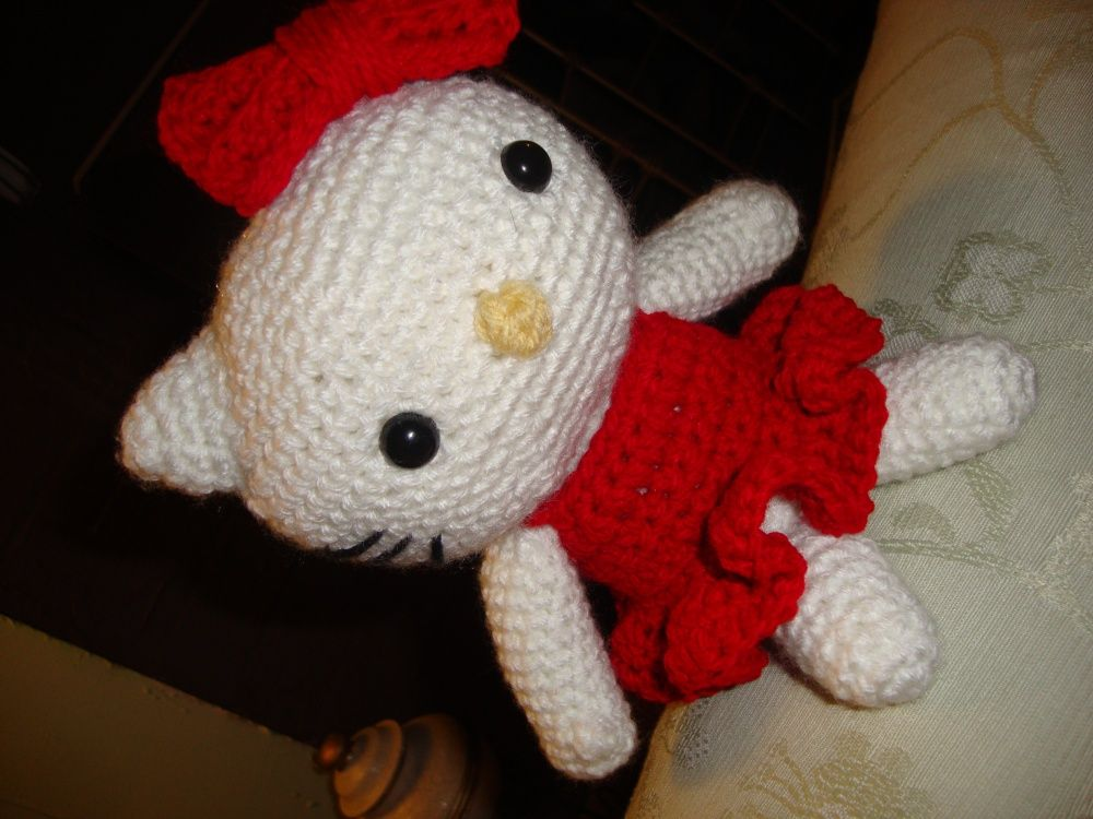 Hello Kitty DIY - I so need to make this for Claire!   Crochet ...