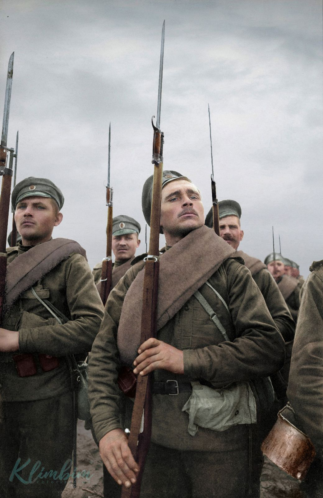 788dcbbd1c7 Russian soldiers with Arisaka rifles