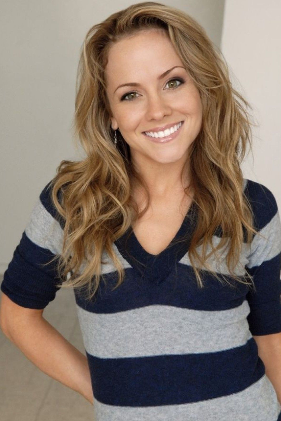 Kelly Stables Images