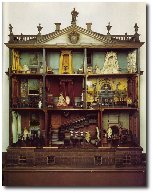 Antique Dollhouse How To Restore An Old Dollhouse Doll Houses