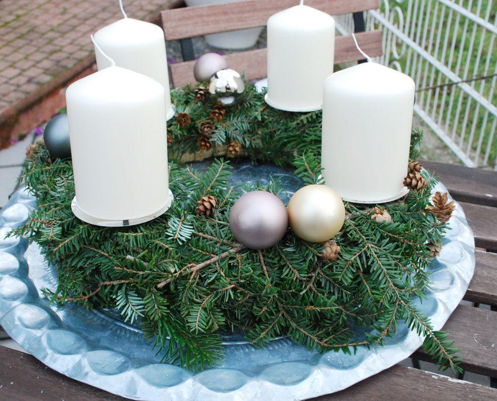einfach aber sch n christines adventskranz advent wei e kerzen und kreative ideen