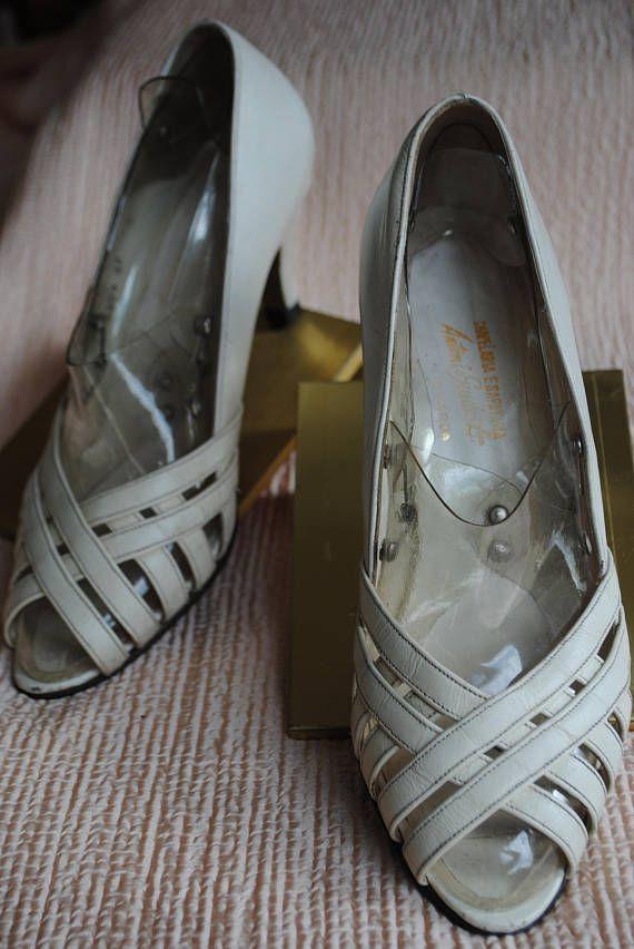 Open color leather stiletto cream 1980   Pinterest   Escarpin ouvert ... fde69284bde1