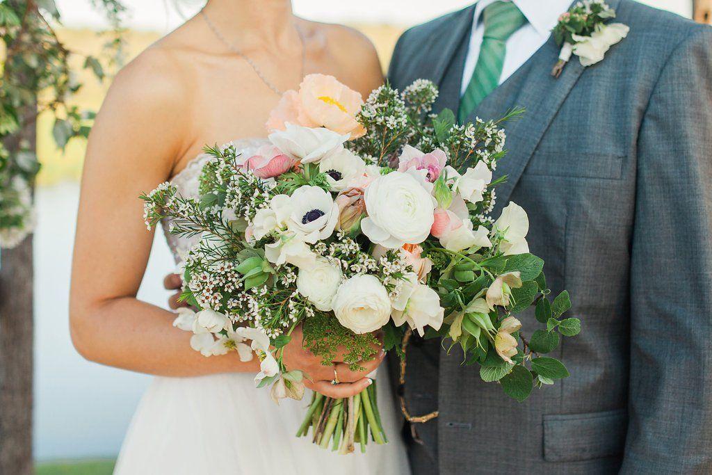 April Wedding Celebrates The Seasons Earliest Blooms Wedding
