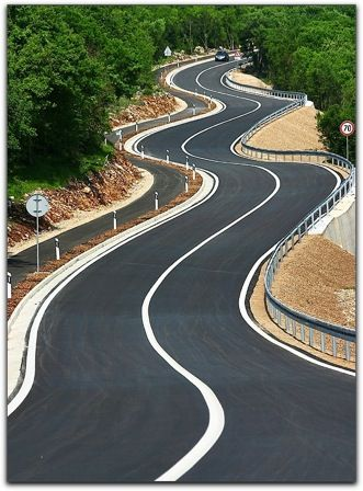 No idea where this is, but I want to ride this road! @peterstevensMC @ianroyall @vespaclubmelb