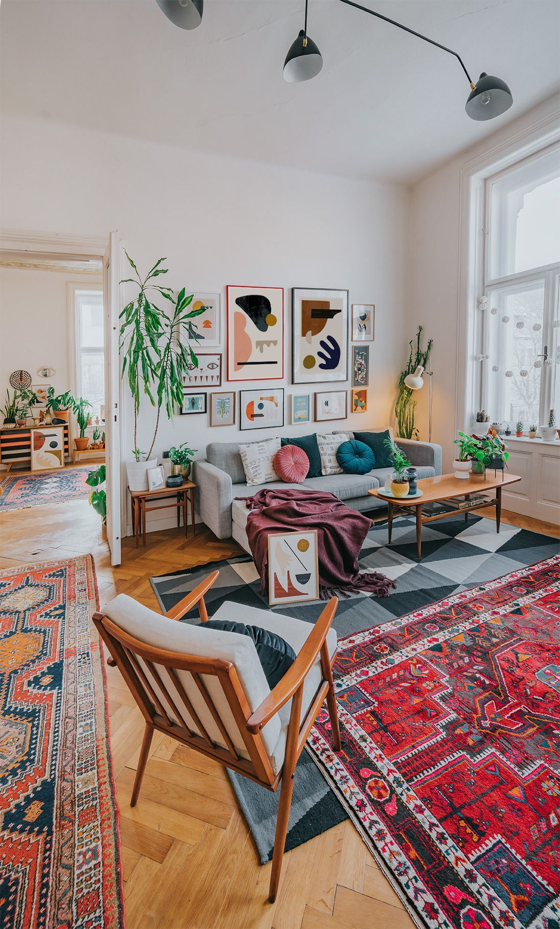 Mid Century Modern Furniture Oriental Rugs And Lots Of Modern Minimalist Art By Jan Skacelik Interiordesign 2020 Minimalist Oturma Odalari Modern Mobilya Ic Mekan