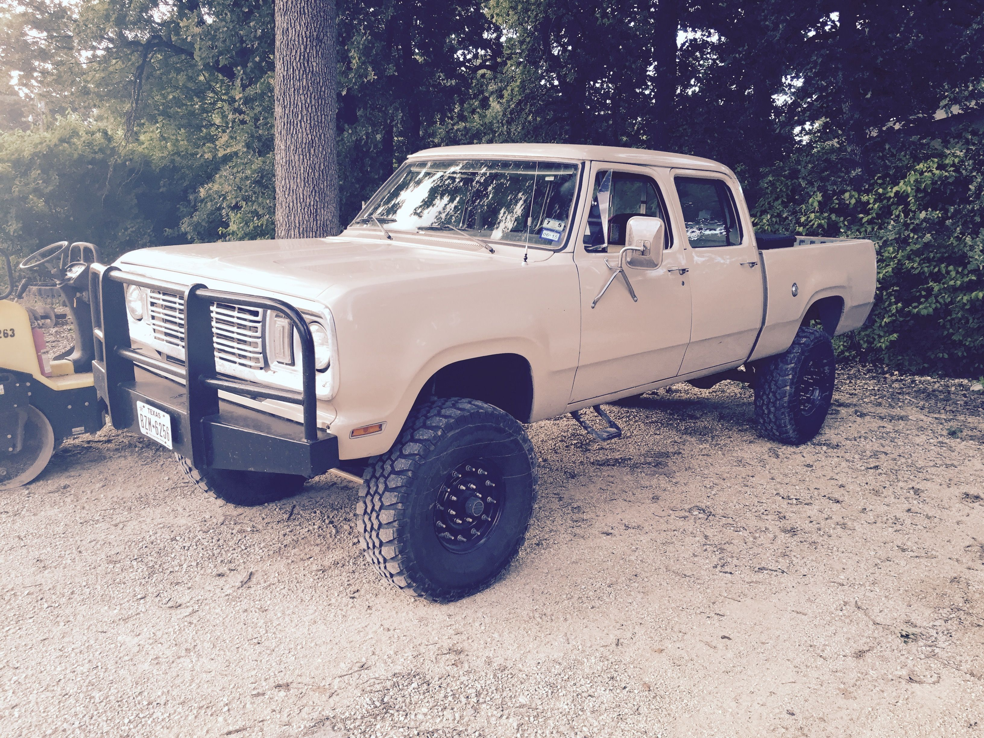 1977 w250 4wd crew cab in really clean shape rare mopar keep on trucking pinterest mopar cleaning and dodge