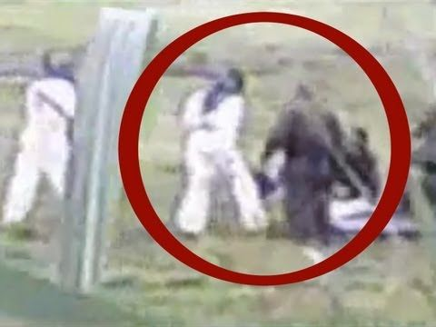 UFO 2013: Military recovering of alien body crashed? | Ufo ... Real Alien Footage 2013