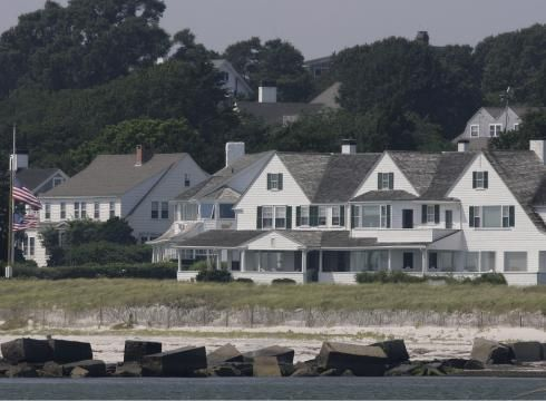 Kennedy Family Divided Over Mass Compound Usatoday Com In 2020 Kennedy Compound Kennedy Kennedy Family