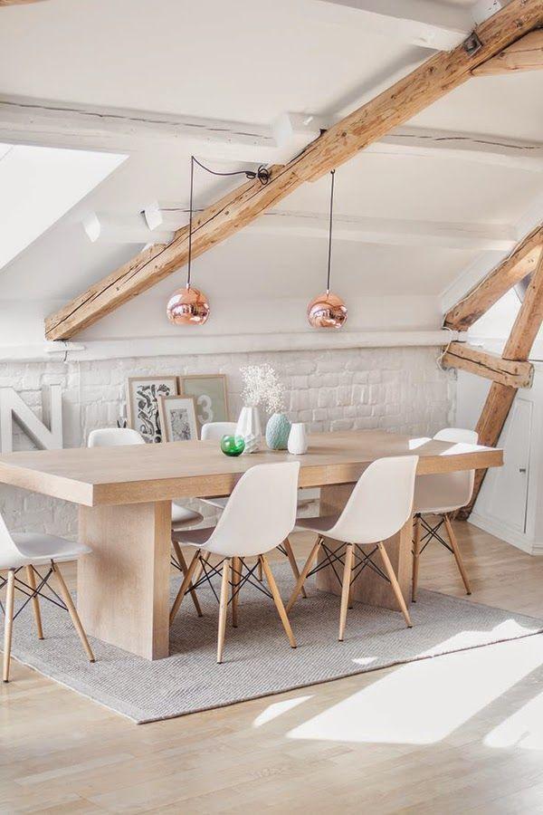 mesa y sillas madera boho