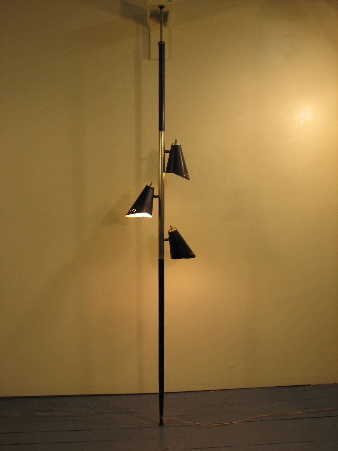 Mid Century Modern 1960\'s floor to ceiling lamp | Pole lamps, Mid ...
