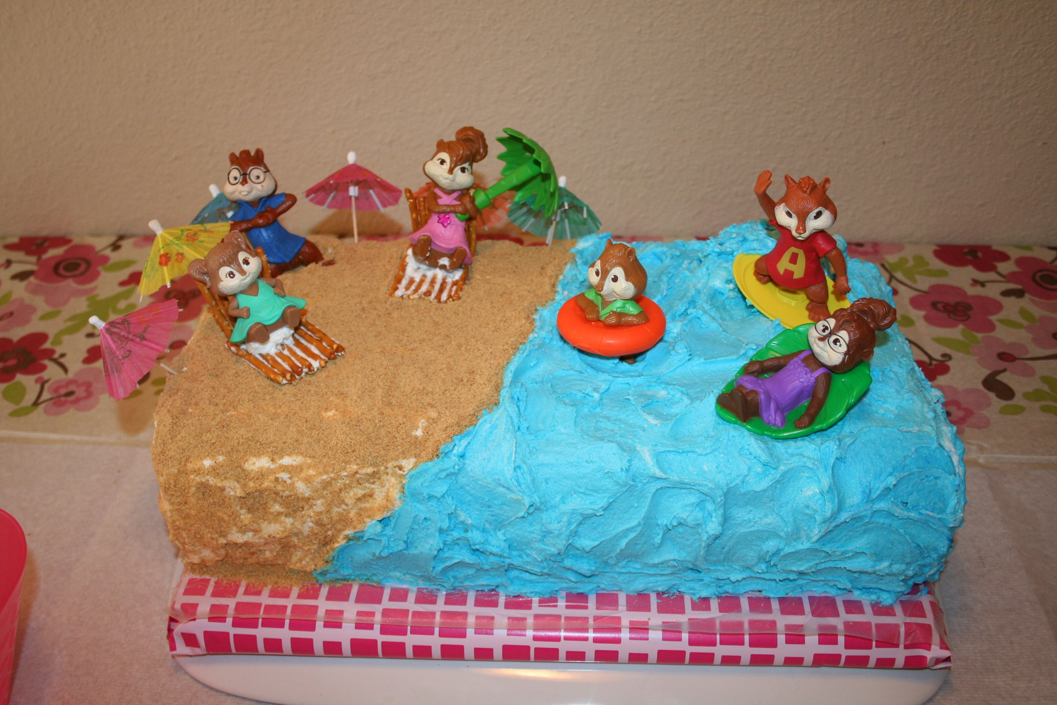 Alvin And The Chipmunks Birthday Cake: Alvin And The Chipmunks/Chipettes Cake