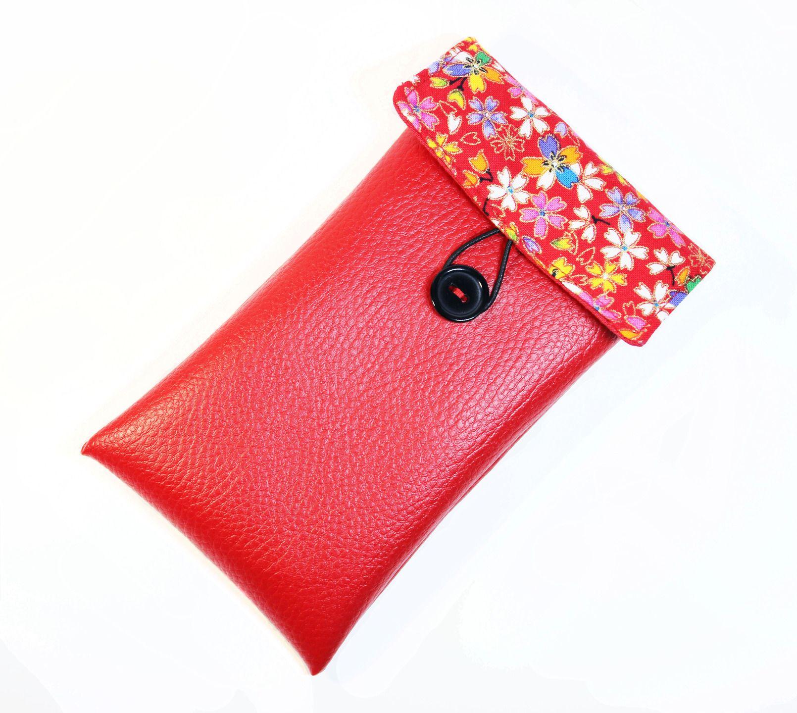 housse portable iphone 6 rouge en simili cuir et tissu japonais : Etuis portables par kipapee