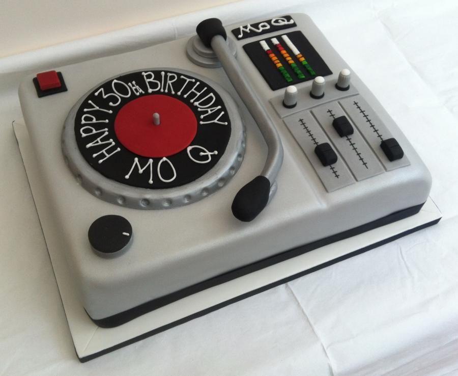 DJ Decks Cake Cake by flossycockles Cakes Pinterest Dj decks