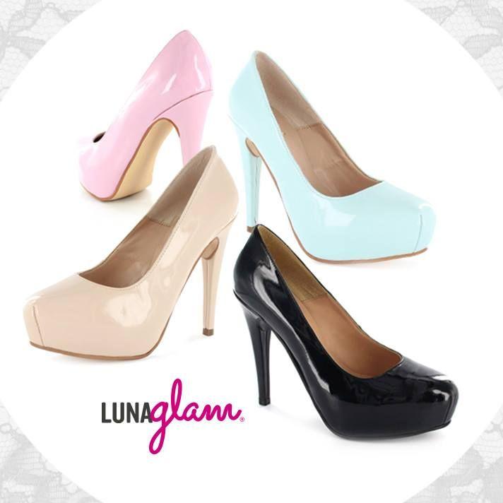 Es difícil que una mujer sea fiel sólo a un par de tacones. #LunaGlam #Moda #Zapatos #Tacones